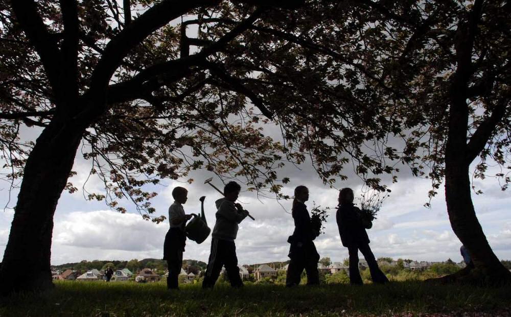 Off to plant wild flowers. (Photo - Edinburgh Evening News)